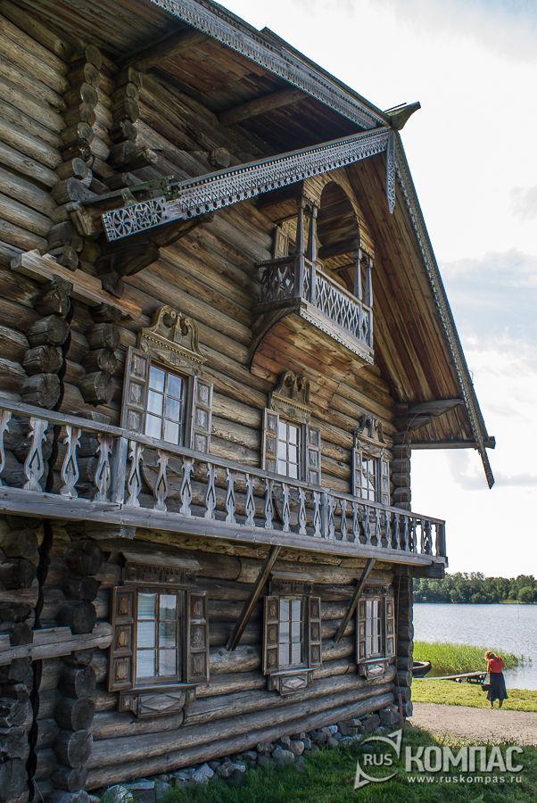 Фасад дома Ошевневых