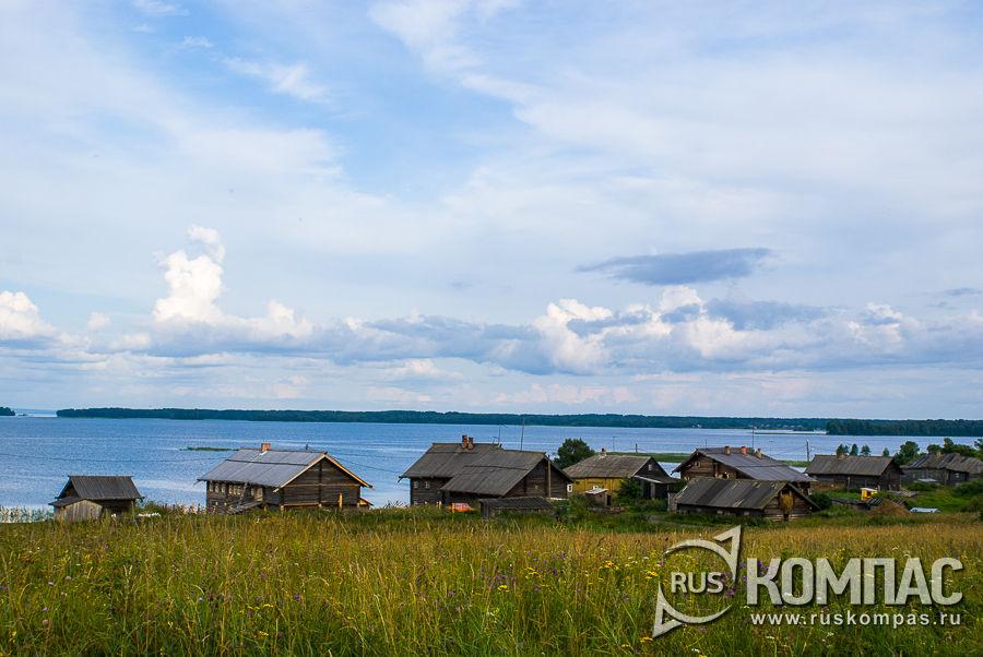 Деревня Ямка на берегу Онежского озера
