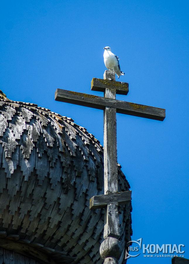 Деревянный крест Преображенской церкви