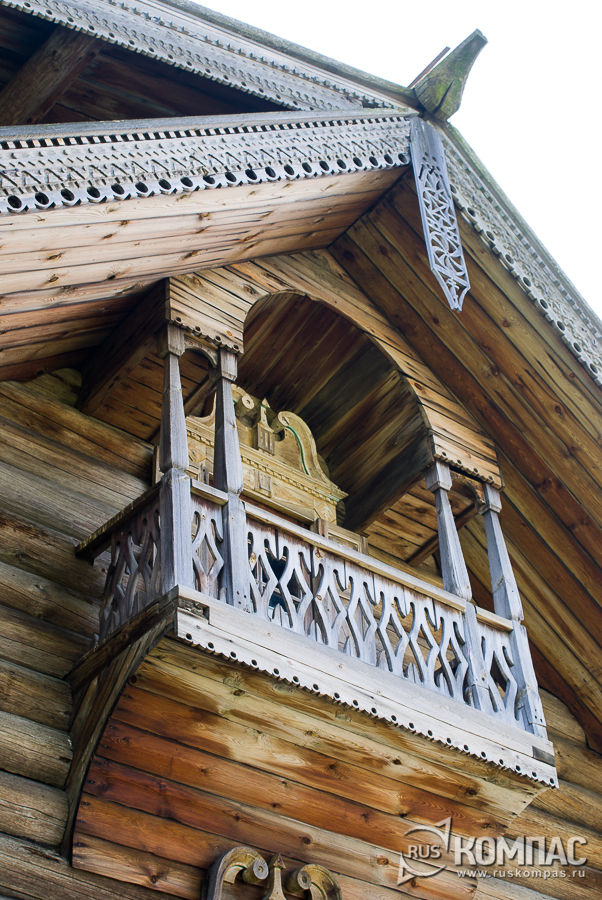 Чердачный балкон дома Ошевневых