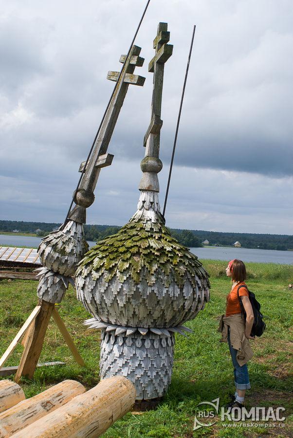 Маковки Успенской часовни в деревне Васильево