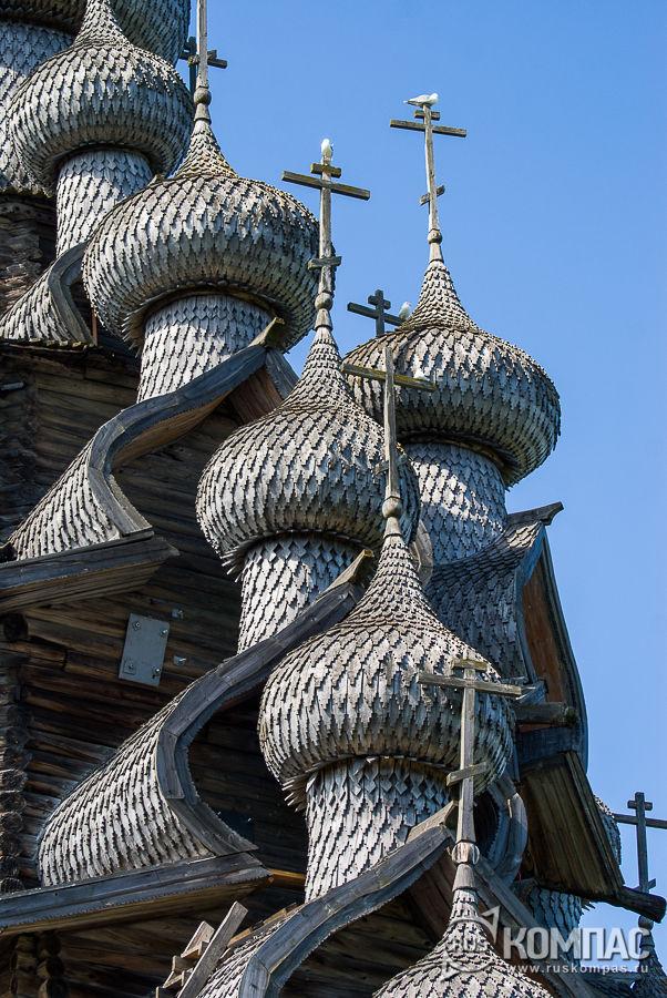 Луковки куполов Преображенской церкви