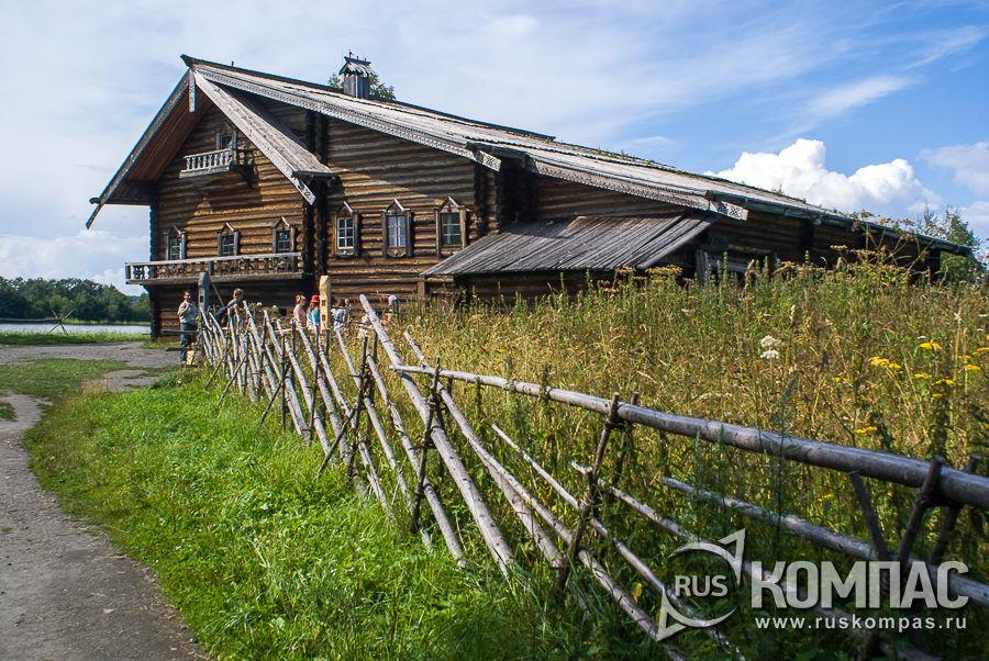 Дом Елизарова со стороны огорода