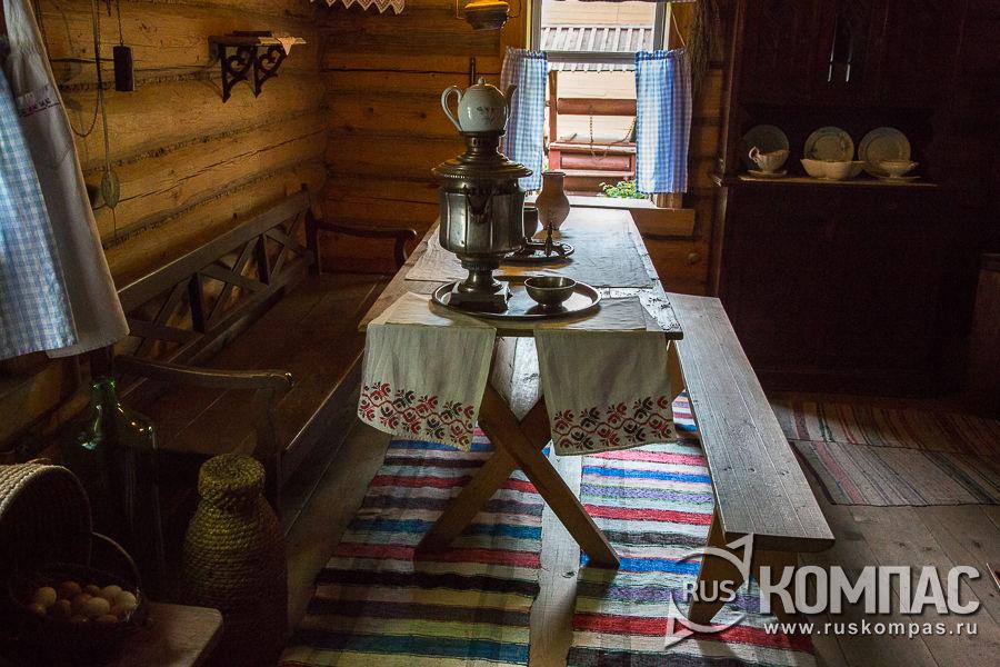Сейчас в кухне открыта экспозиция народного быта конца XIX века