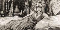 Теда Бара в немом кино «Клеопатра», 1917 год