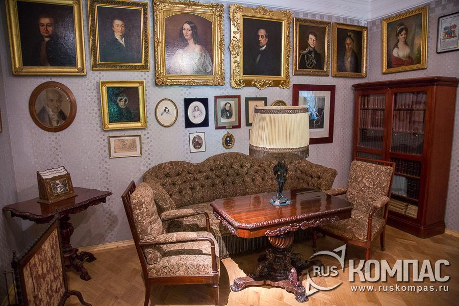 Портретная галерея в «кабинете двух поэтов»