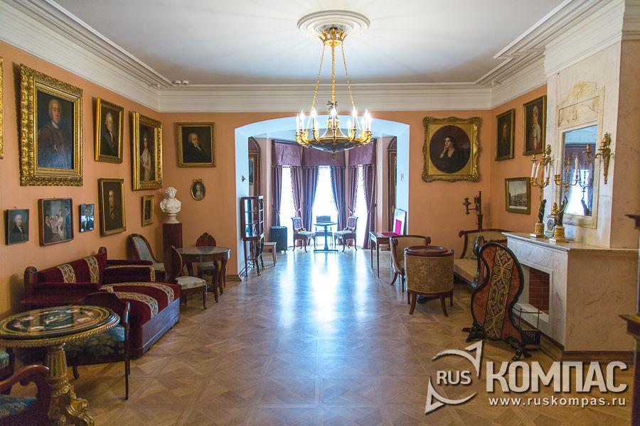 Большая гостиная в Мураново