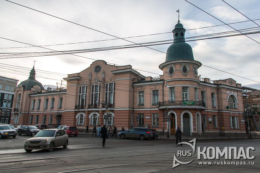 Здание Иркутского отделения Русско-Азиатского банка, 1910–1912 года (ул. Ленина, 38)