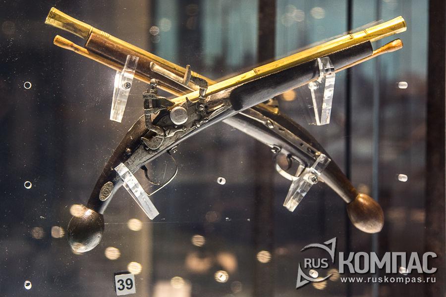 Два пистолета ударно-кремневые, Европа XVII век