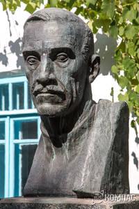 Бюст Александра Грина, выполненный Татьяной Алексеевной Гагариной