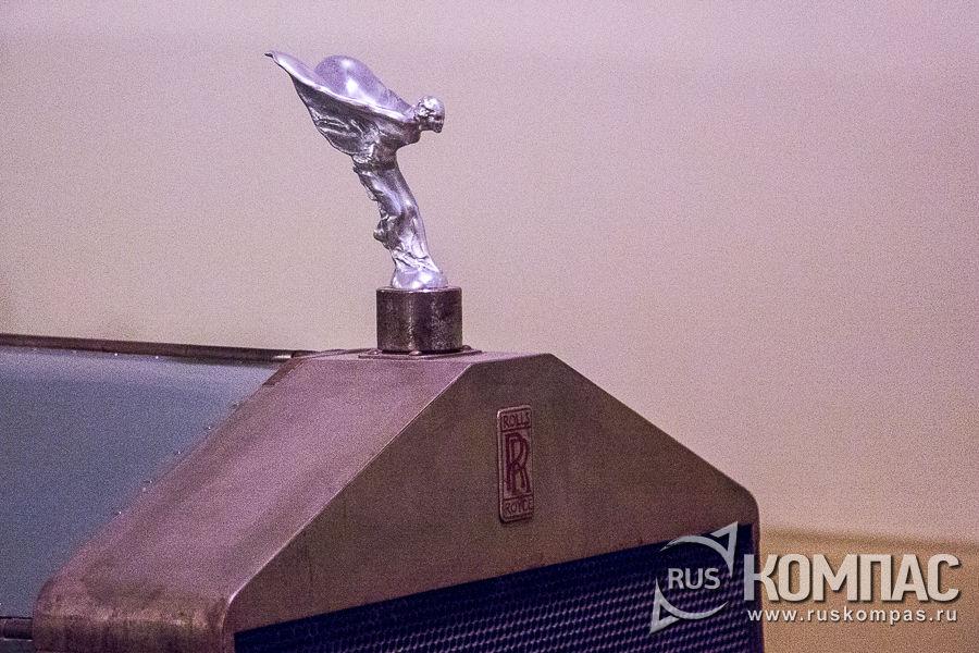 «Дух экстаза» («Дух восторга») - символическое изображение богини Ники на капоте Rolls-Royce