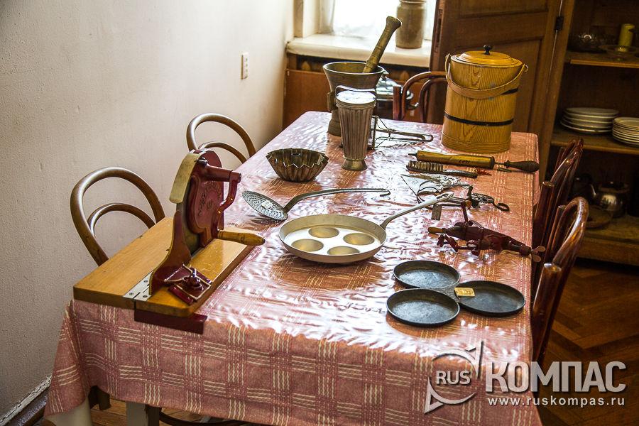 Кухонный стол в кремлевской квартире Ленина
