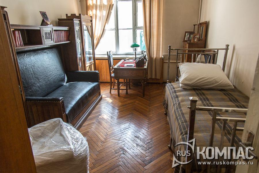 Комната Крупской в кремлевской квартире