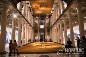 «Цай  Гоцян . Октябрь» в Пушкинском музее