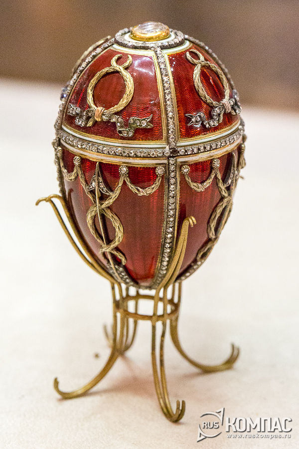 Пасхальное яйцо «Бутон розы» работы мастера фирмы К. Фаберже Михаила Перхина, 1895 год