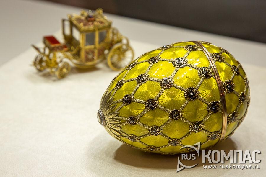 Пасхальное яйцо «Коронационное», изготовленное мастером фирмы Фаберже Михаилом Перхиным, 1897 год