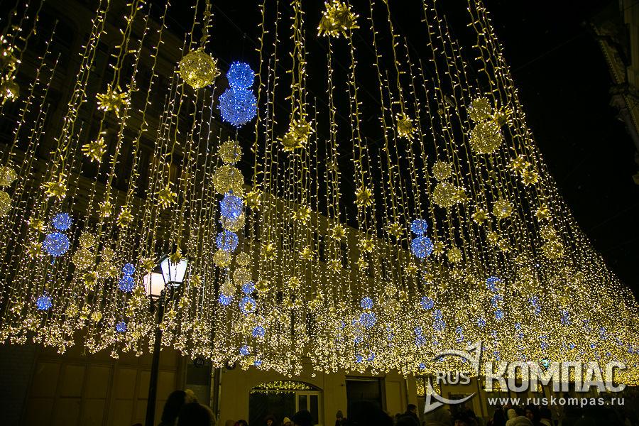 Новогодняя Никольская улица