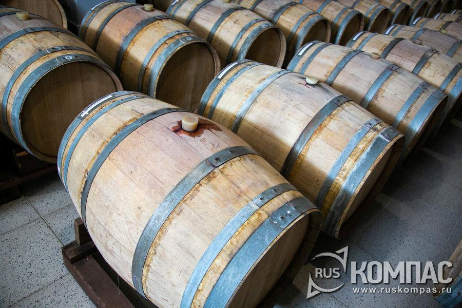 Древесина вокруг пробки пропитана вином и очень вкусно пахнет