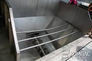 Чаны со шнеками (шнековое отделение винзавода в Мысхако)