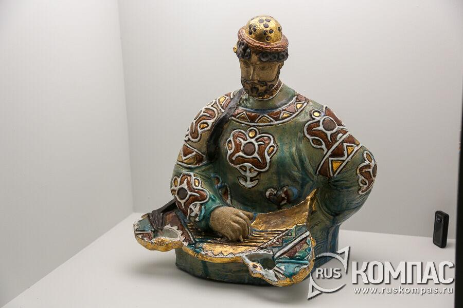 «Садко, играющий на гуслях» Врубель М.А., Абрамцевская гончарная мастерская, 1899-1900гг.