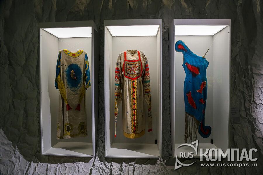 Костюмы из проекта «Русский космизм» Георгия Острецова, 1993г.
