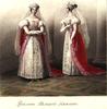 У фрейлин великих княгинь, как и у фрейлин царицы, парадные платья малиновые, но с серебряным шитьем