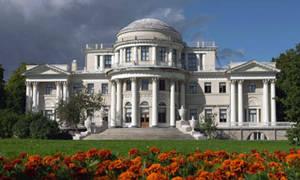 Елагиноостровский дворец-музей декоративно-прикладного искусства и интерьера XVIII-XXI вв.