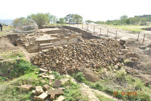 На территории крепости Нарын-кала в Дагестане идут раскопки средневекового храма