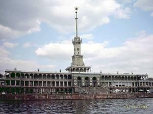 Здание Северного речного вокзала Москвы отреставрируют
