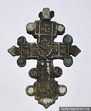 Псковские археологи обнаружили древний некрополь и средневековый арсенал
