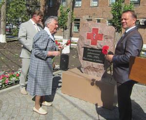 В Борисоглебске открыт памятник медикам-ветеранам