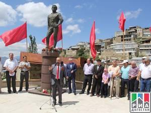 Памятник легенде мирового спорта Али Алиеву открыли в Гунибском районе