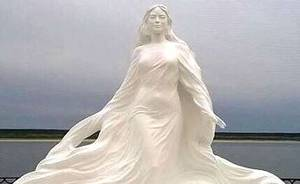 «Красавица Лена» украсила набережную якутского Олекминска