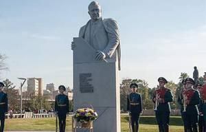 У музея космонавтики открыли памятник академику Челомею