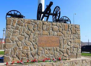В Судаке – новый памятник: стела памяти Новгородского Кирилловского полка