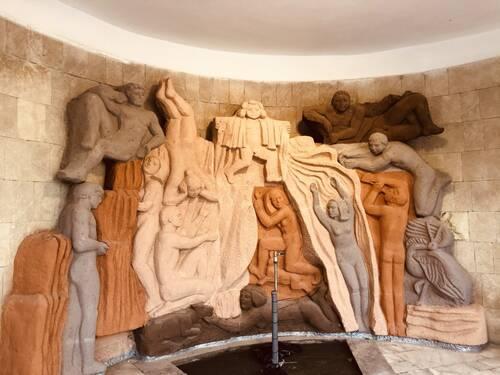 Каменное панно «Смирновского» источника отремонтируют в Железноводске
