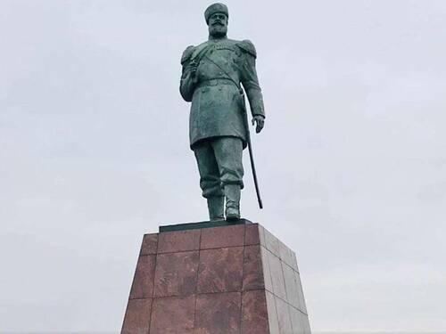 Памятник Александру III открыли в Черемхово