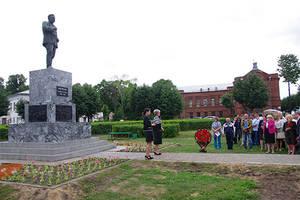 Памятник М.В. Фрунзе открыт в городе Шуя